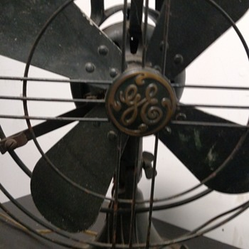 GE ocelating 3 speed fan - Art Deco