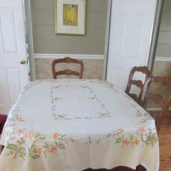 Beautiful Hand Embroidered Vintage Tablecloth - Kitchen