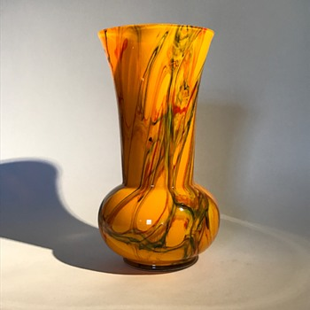 Kralik or Ruckl Marbled vase on a orange base - Art Glass