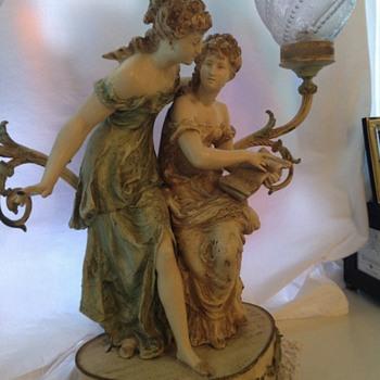 Two ladies lamp - Lamps