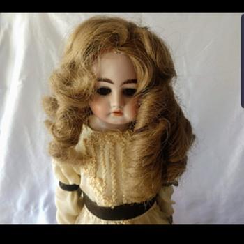 Heinrich handwerck doll info - Dolls