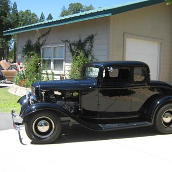 Hot rod BBQ - Classic Cars
