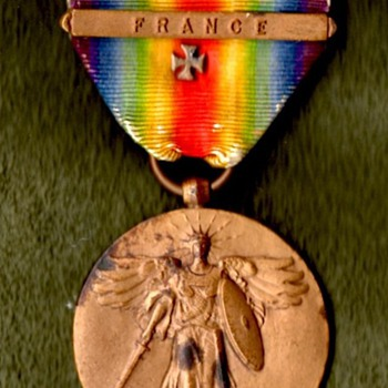 """US Victory Medal With """"Maltese Cross"""""""