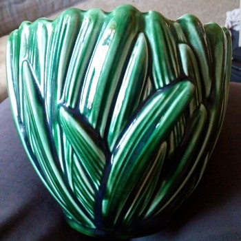 Sylvac Hyacinth  pattern pot - Pottery
