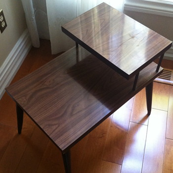 1950 side table. - Furniture