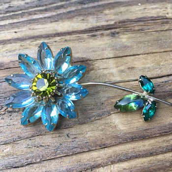 WEISS Flower Brooch - Costume Jewelry
