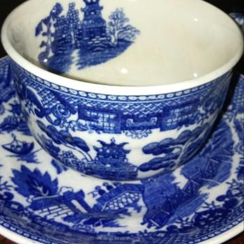 Tea cup and sauser. Japan