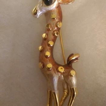Parklane Giraffe Pin - Animals