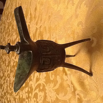 Chinese bronze ding and jue