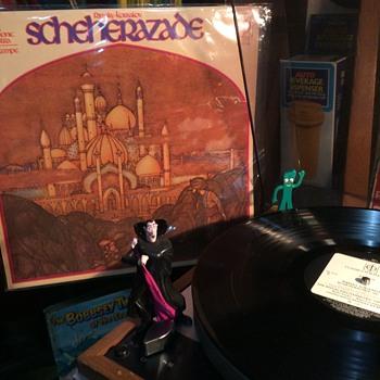 Scheherazade spins ,,,,Her story - Advertising