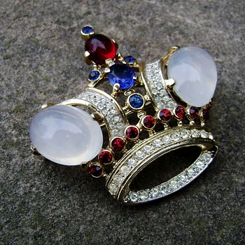 Trifari Regal King Crown Brooch - Costume Jewelry