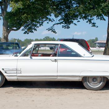 1966 chrysler 300 - Classic Cars