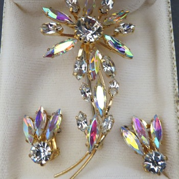 Blingy Brooch and clip on Earrings - Costume Jewelry