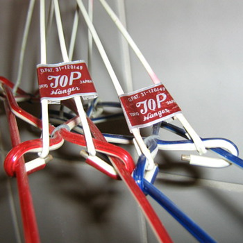 Fun plastic hangers for nutsabotas6 - Accessories