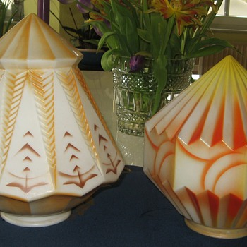 Two Art Deco Glass Lamps Shades - Art Deco