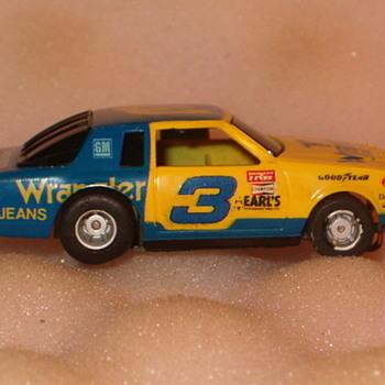 TYCO 440 DALE EARNHARDT #3 WRANGLER NASCAR STOCKER H.O. SCALE - Model Cars