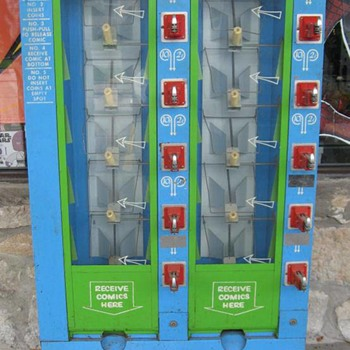 Comic book vending machine - 1967 - Comic Books