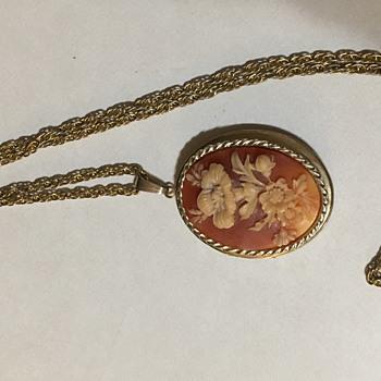 Floral cameo locket  - Fine Jewelry