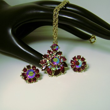 Trifari Necklace and Earring Set - Contessa Collection - Costume Jewelry