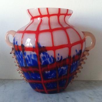 Kralik red-threaded vase with rigaree handles - Art Glass