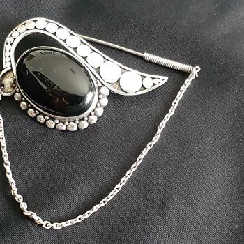 unknown brooch? - Silver