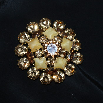 Vintage Brooch Made in Austria - Costume Jewelry