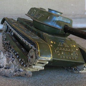 Old tin Army Tank M71 mfg by Modern Toys Japan - Toys