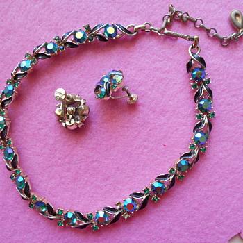 Vintage Lisner choker and earrings