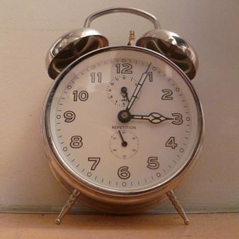 Vintage French 1960's-1970's classic double bell JAZ alarm clock. - Clocks