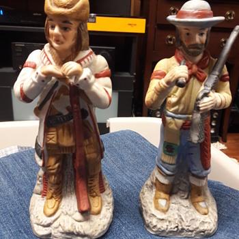 2 figurines - Figurines