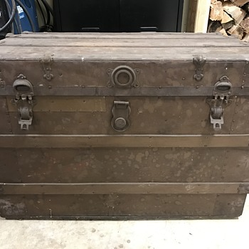Another Mystery Trunk!! Please Help! - Furniture