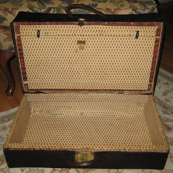Interior Of Mid-1800's Tooled Leather Valise - Furniture