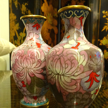 Pair of Chinese cloisonne vases - Asian