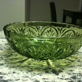Glass bowls - Green, dont really know anything about them - Glassware