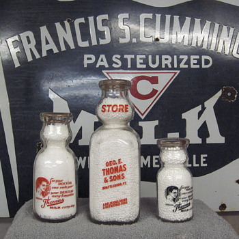 Cummings Milk Porcelain Sign & 3 Thomas & Sons Milk Bottles - Signs