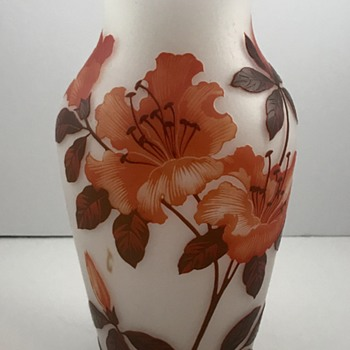 "Wilhelm Kralik Söhne Cameo Glass vase, signed ""D'Aurys"", ca. 1920s - Art Glass"