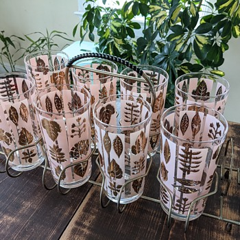 Set of 8 mid-century glasses with caddy - Glassware