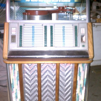 1953 Wurlitzer model 1650 - Coin Operated