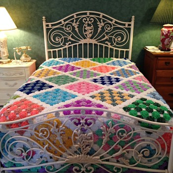 Yo-Yo Quilt/Bed Cover made from 1970s fabric - Sewing