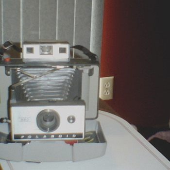 Polaroid Automatic 320 Land Camera