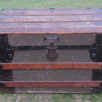"1890's 32"" Palica (Common sense ) Wall Trunk  - Furniture"