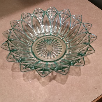 What pattern is this? - Glassware