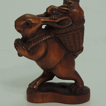 Carved Chinese Boxwood - Peter Rabbit - Animals