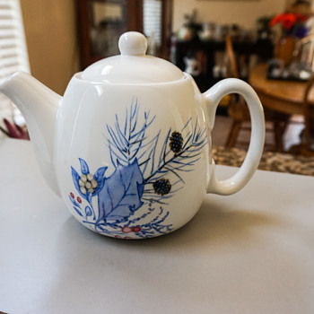 White & Blue Tea Pot