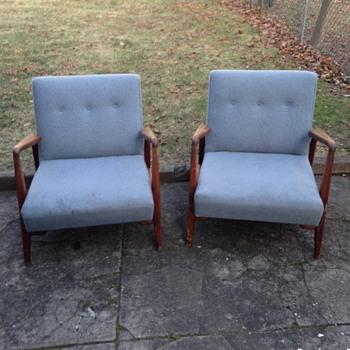Jens risom armchair
