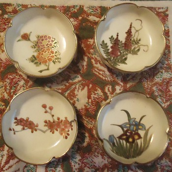 Satsuma salt dishes, hat for Simon (Vietnam), lacquered panels wood Vietnam and other things - China and Dinnerware