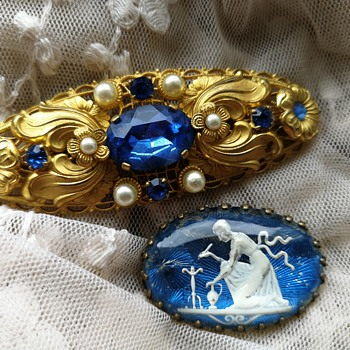Old costume jewelry brooches  - Costume Jewelry
