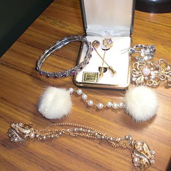 More jewelry unknown - Costume Jewelry