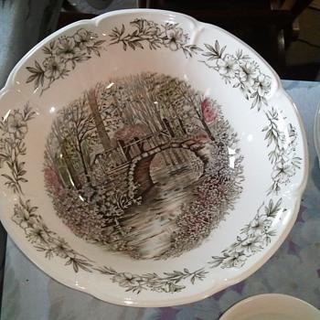 Johnson Brothers Tableware 98 pcs. Azalea Gardens / England - China and Dinnerware