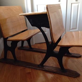 children's desk - Furniture